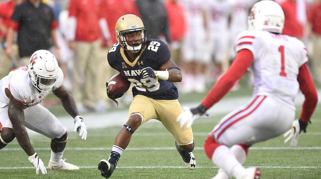 Unranked Navy upsets No. 6 Houston 46-40
