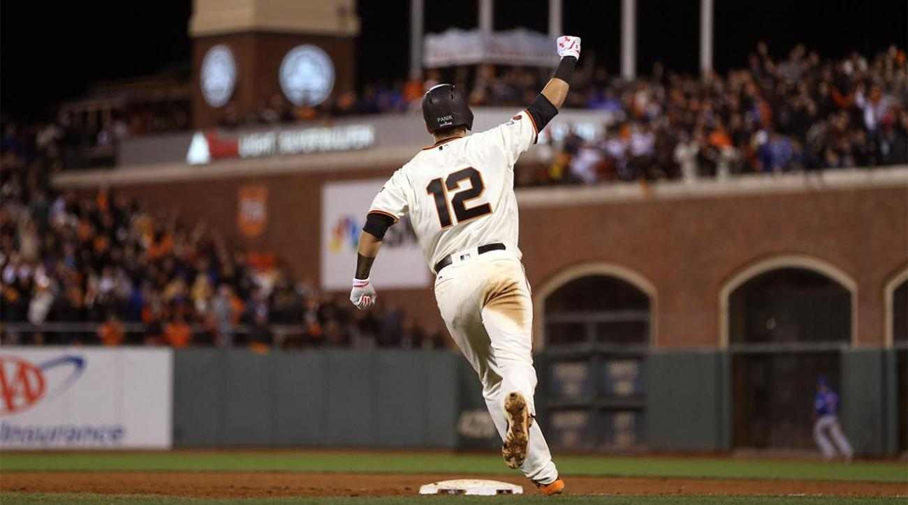 Giants stave off elimination in extra innings IMAGE