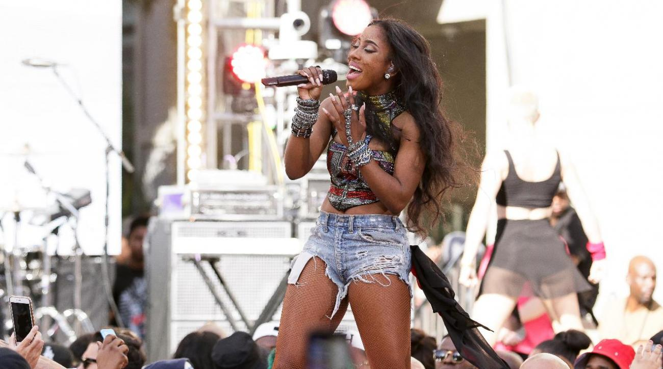 Sevyn Streeter returning to sing anthem for Sixers in 'We Matter' jersey IMAGE