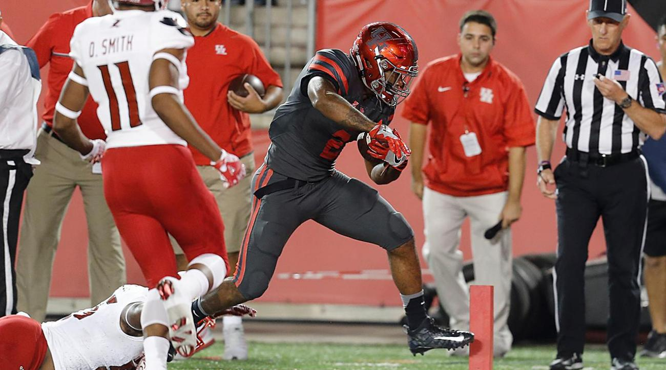 Houston stuns Louisville, Cardinals playoff chances all but done IMAGE