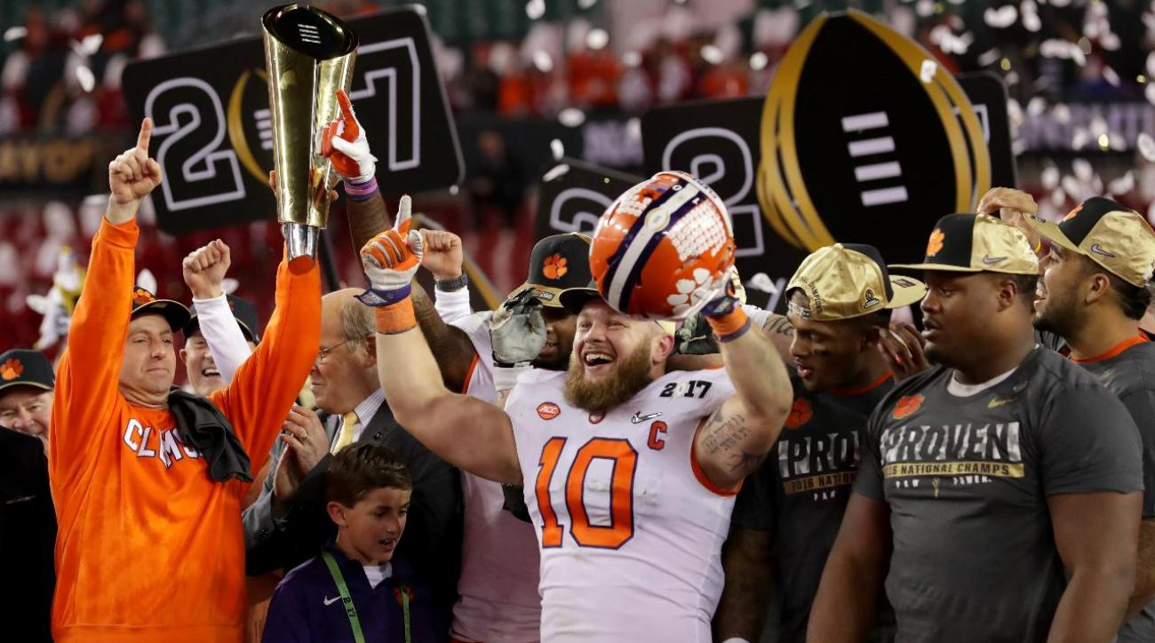 Clemson avenges last year's loss, wins national title