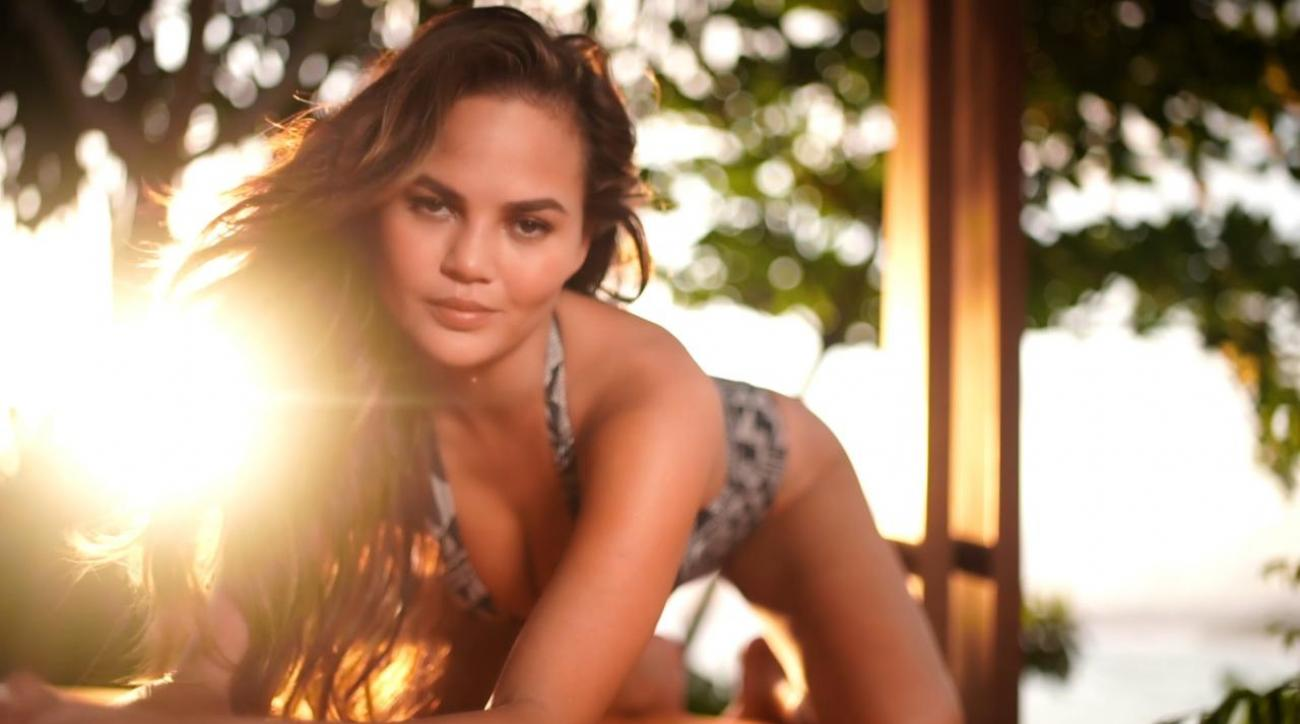 Chrissy Teigen loos stunning in Sumba island for SI Swimsuit 2017