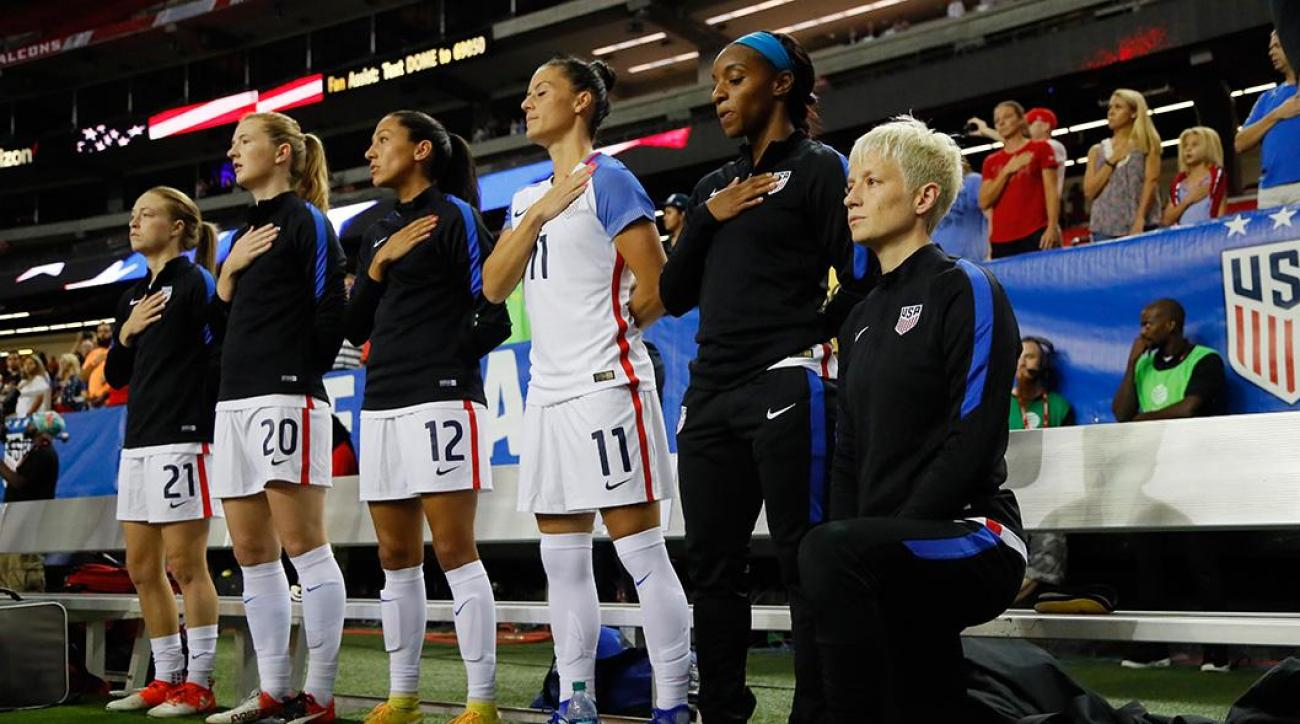 U.S. Soccer: Players must stand for national anthem