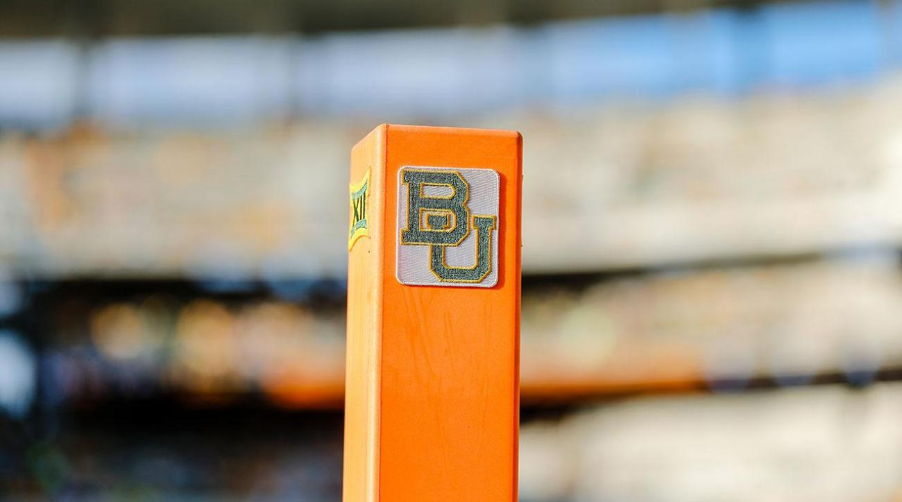 Baylor fires official for sending inappropriate text messages