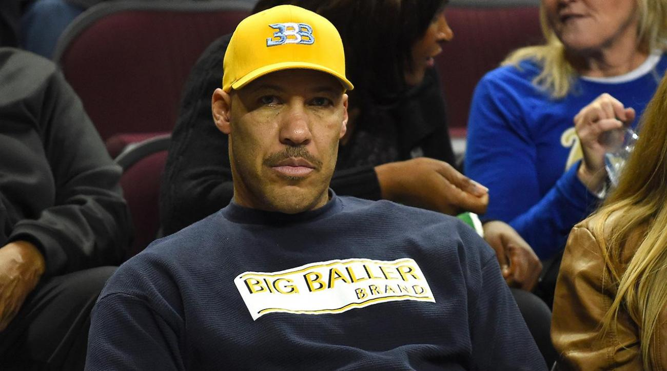 Report: Burglars break into Ball family's home while father LaVar attends sons' game