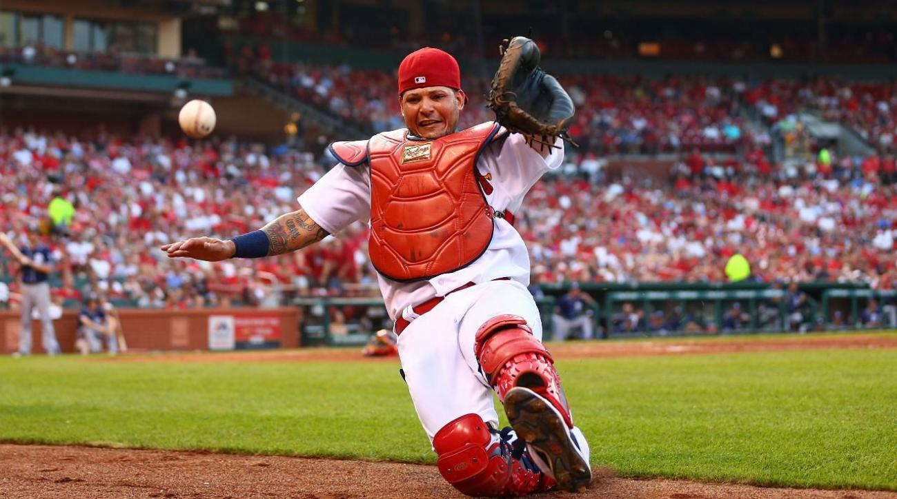 Yadier Molina, Cardinals sign three-year, $60 million extension