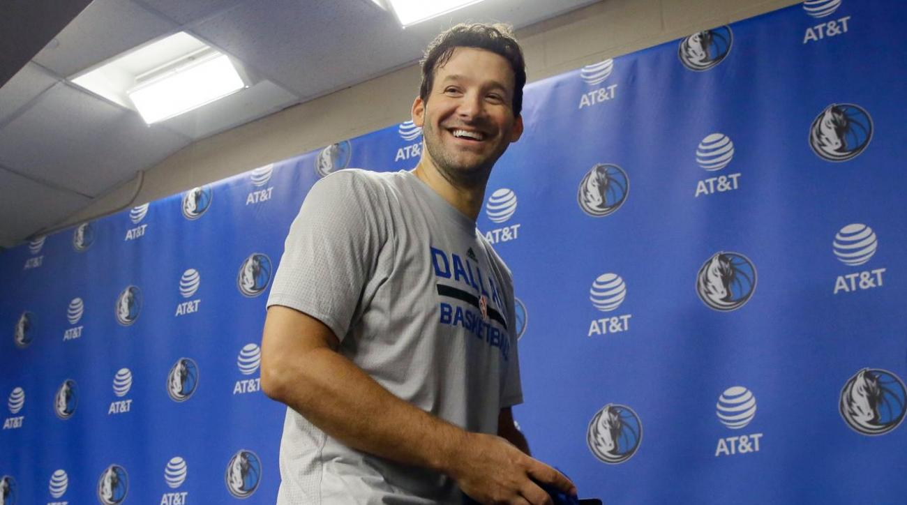 Tony Romo joins Dallas Mavericks for final home game of the season