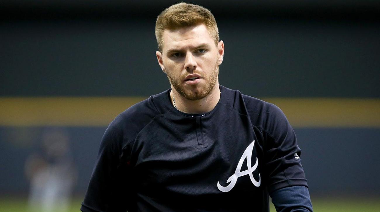 Braves' Freddie Freeman fractured wrist, expected to miss 10 weeks IMAGE