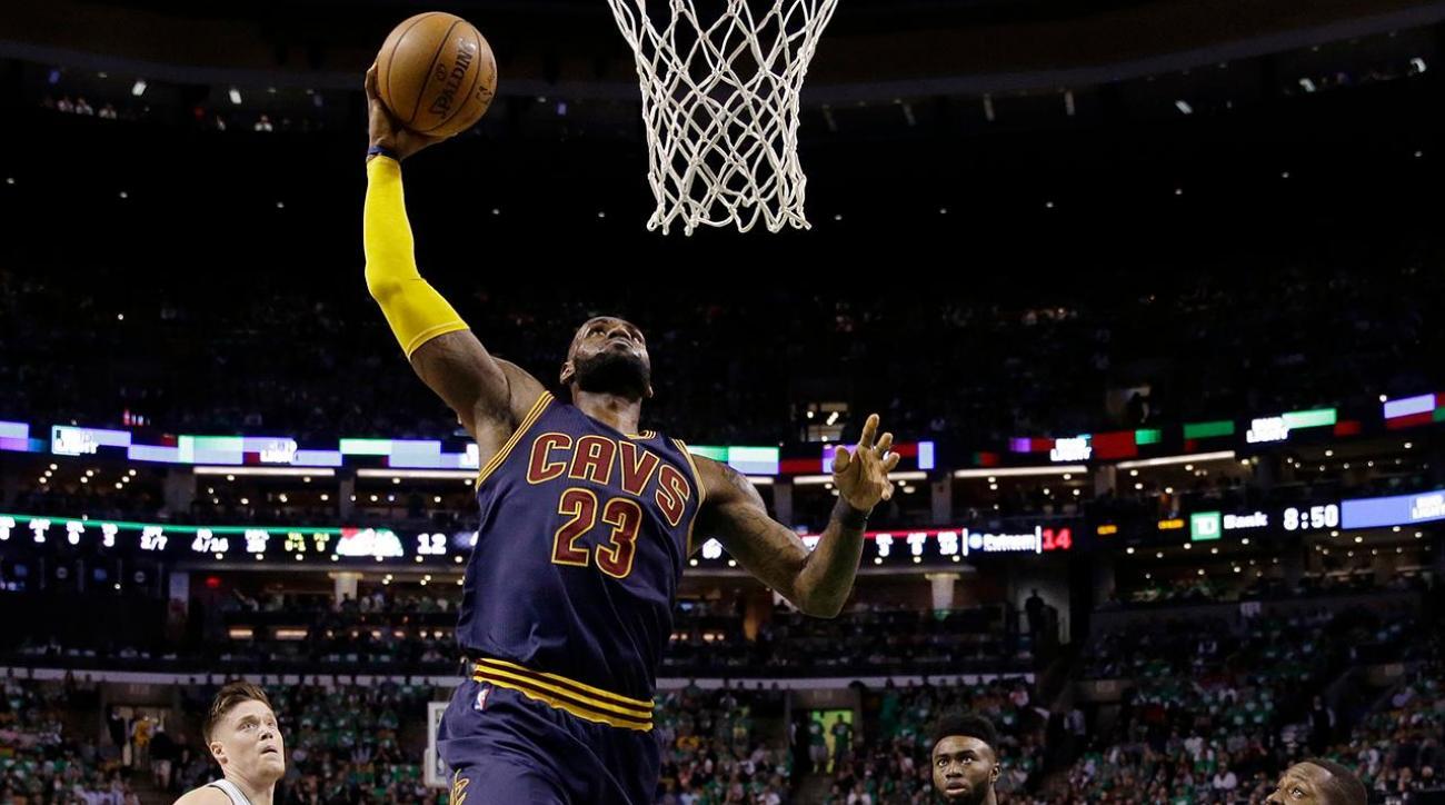 LeBron James becomes NBA's all-time leading playoff scorer, passes Michael Jordan IMAGE