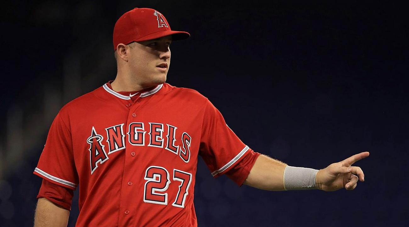 Mike Trout set for MRI on left thumb sprain