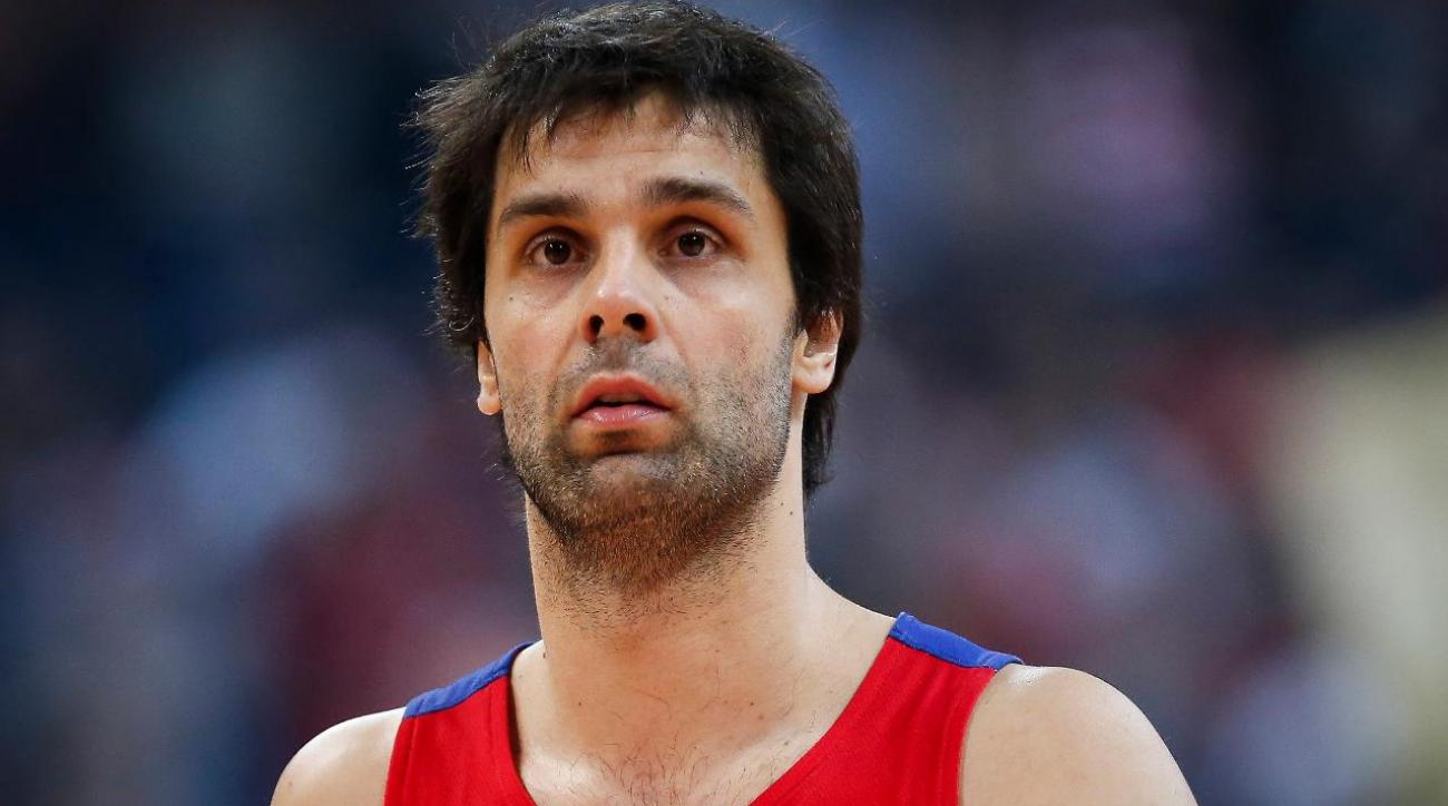 Clippers agree to contract with Serbian star Milos Teodosic