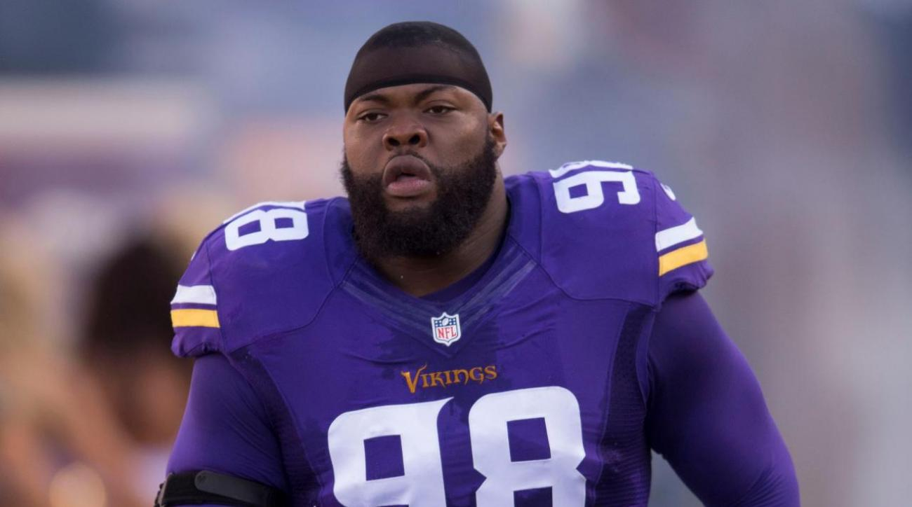 01665aa31 VIDEO - Vikings Linval Joseph  4-year