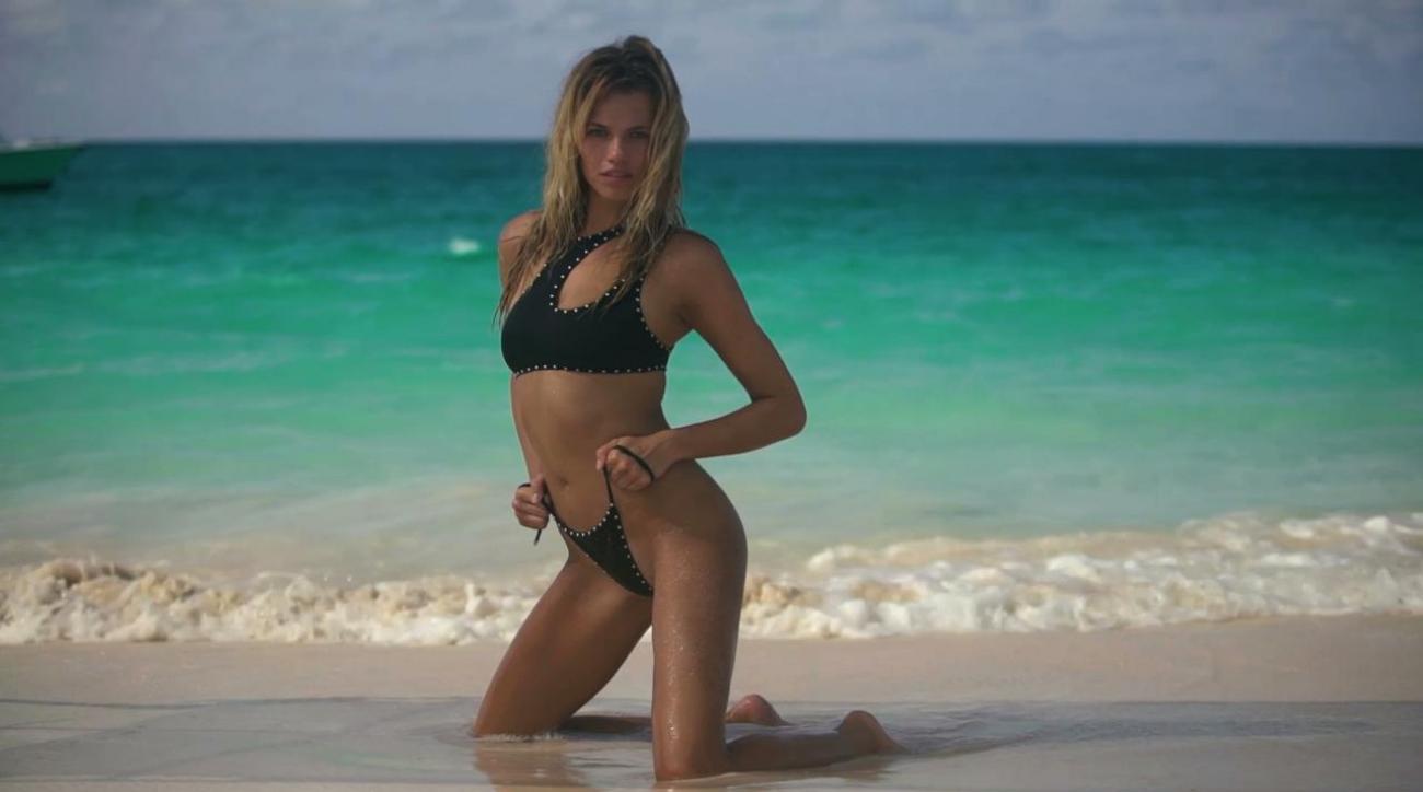 Sexy lori singer naked