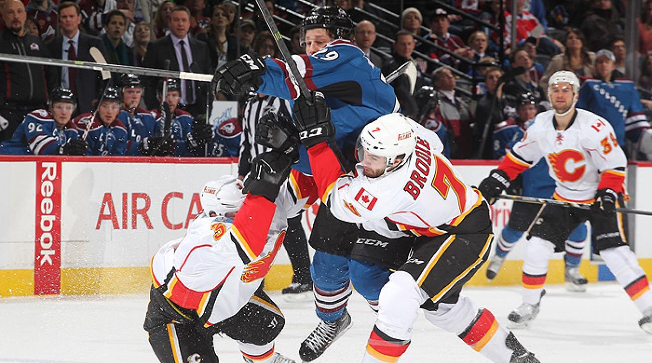 Calgary shrugs off Avalanche in third period