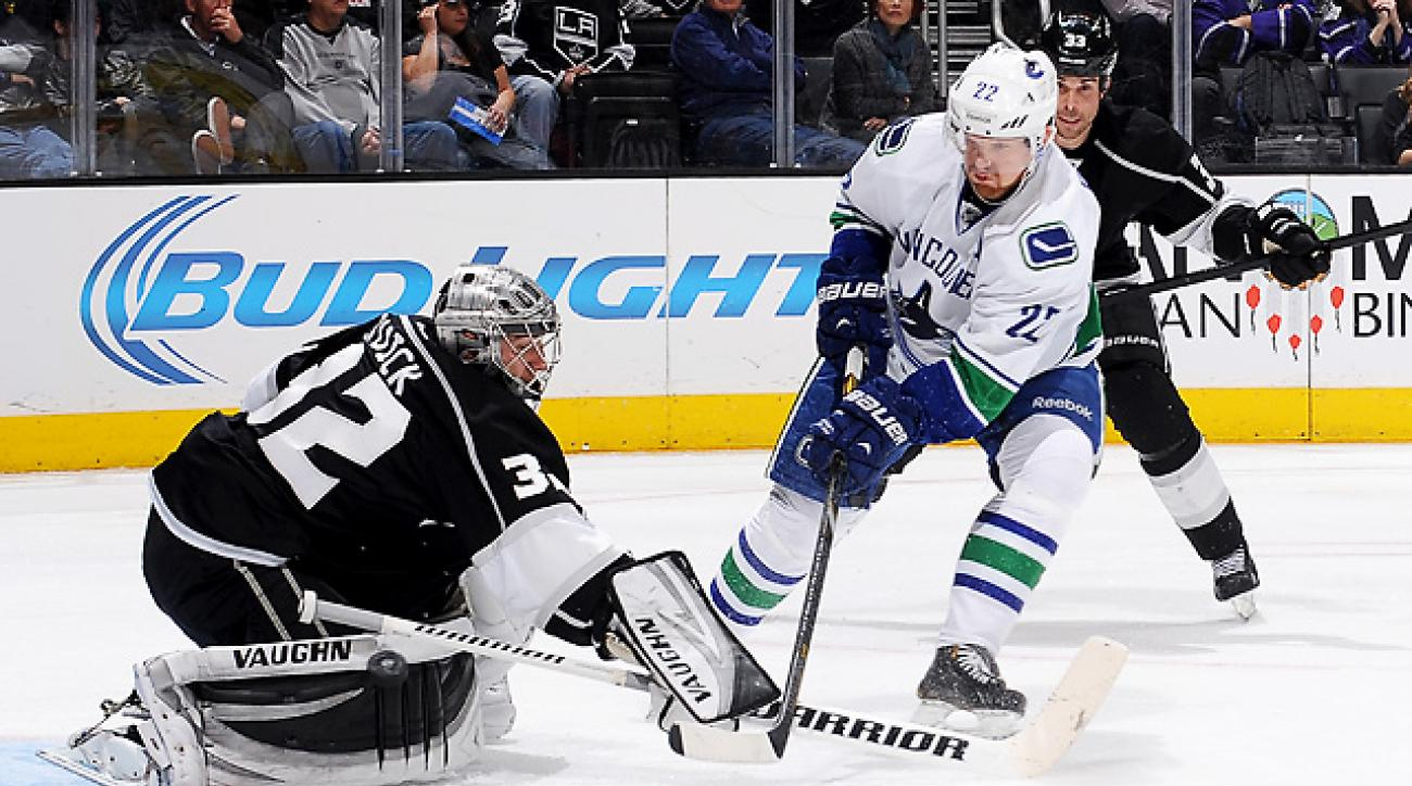 Quick sharp as Kings win fourth straight over Canucks