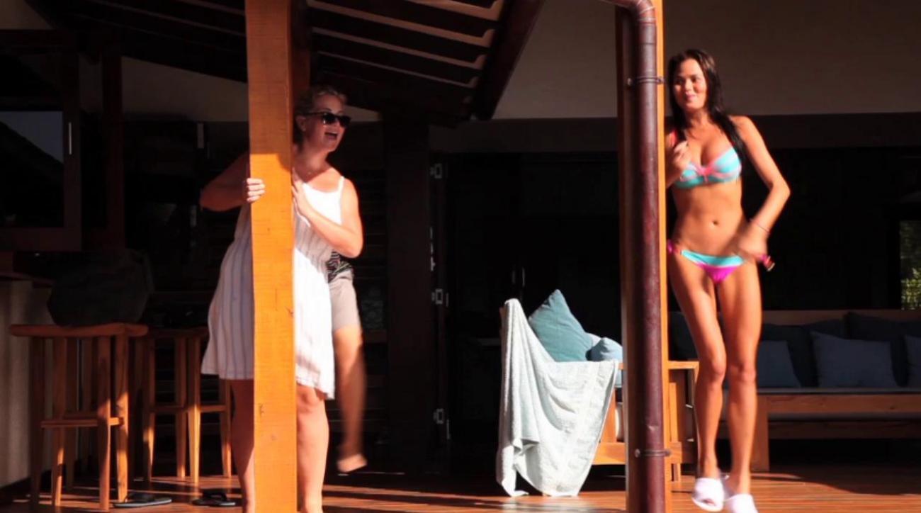 Swim Daily, Chrissy Teigen Outtakes