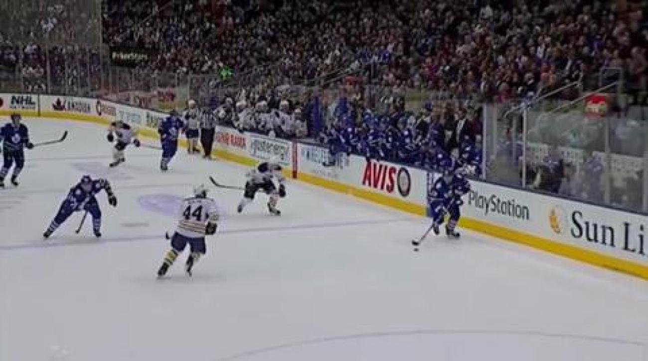 Maple Leafs top Sabres