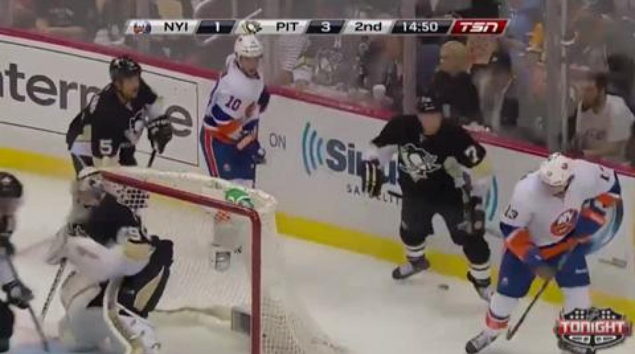 Islanders storm back to take Game 2 over Penguins