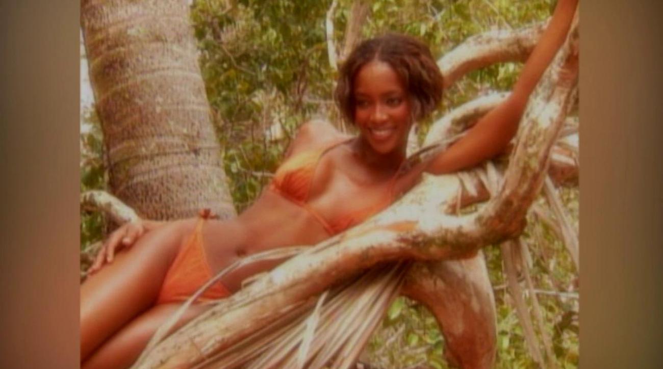 Swim Daily: Throwback Thursday, Naomi Campbell and Niki Taylor
