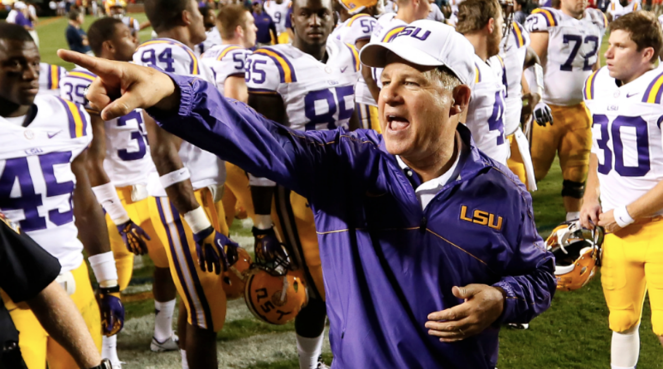 SI Now: Theo Von thinks Les Miles might be in an LSU frat