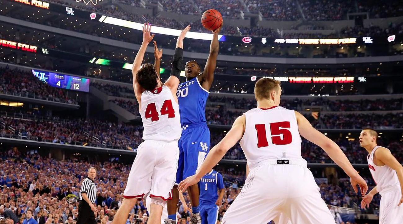 UConn, Kentucky meet for title game Monday night