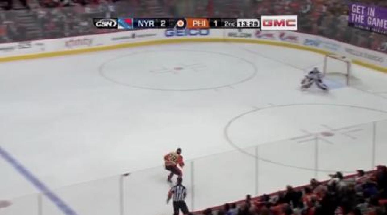 Callahan lifts Rangers over Flyers