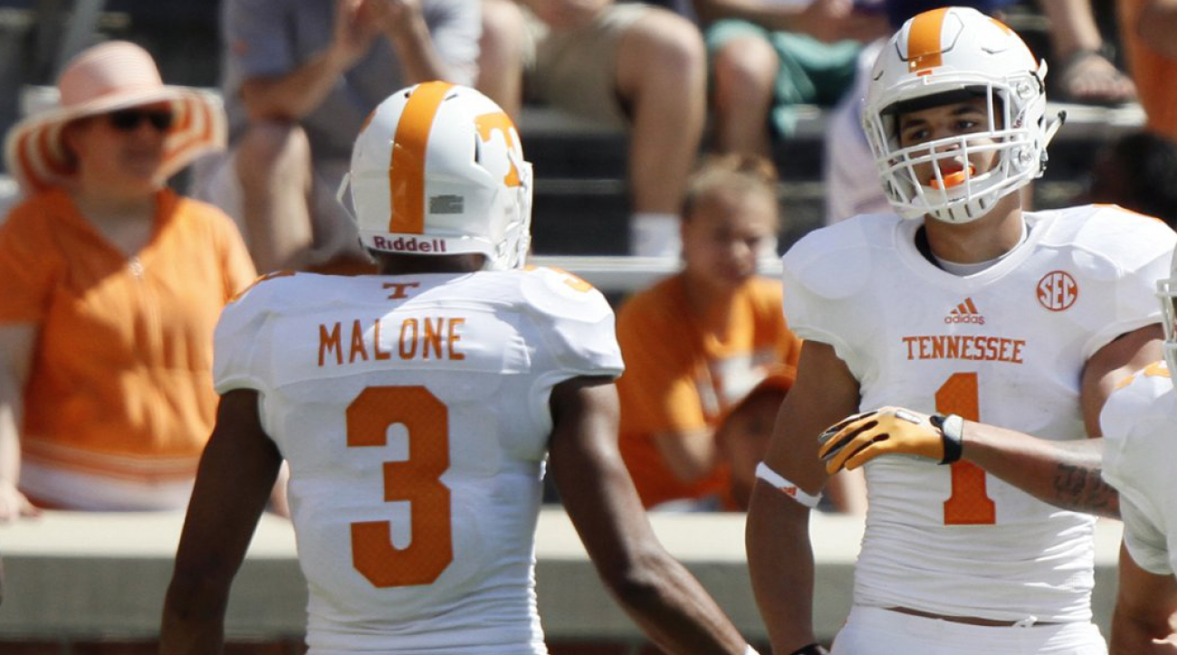 #DearAndy: Tennessee frosh Heismans, suiting up, and SEC bar fights