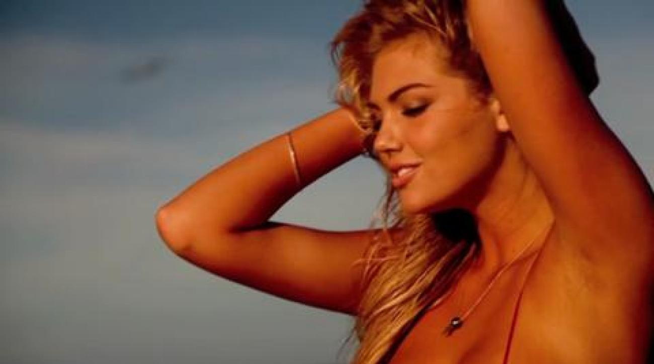 Kate Upton reacts to SI Swimsuit Cover