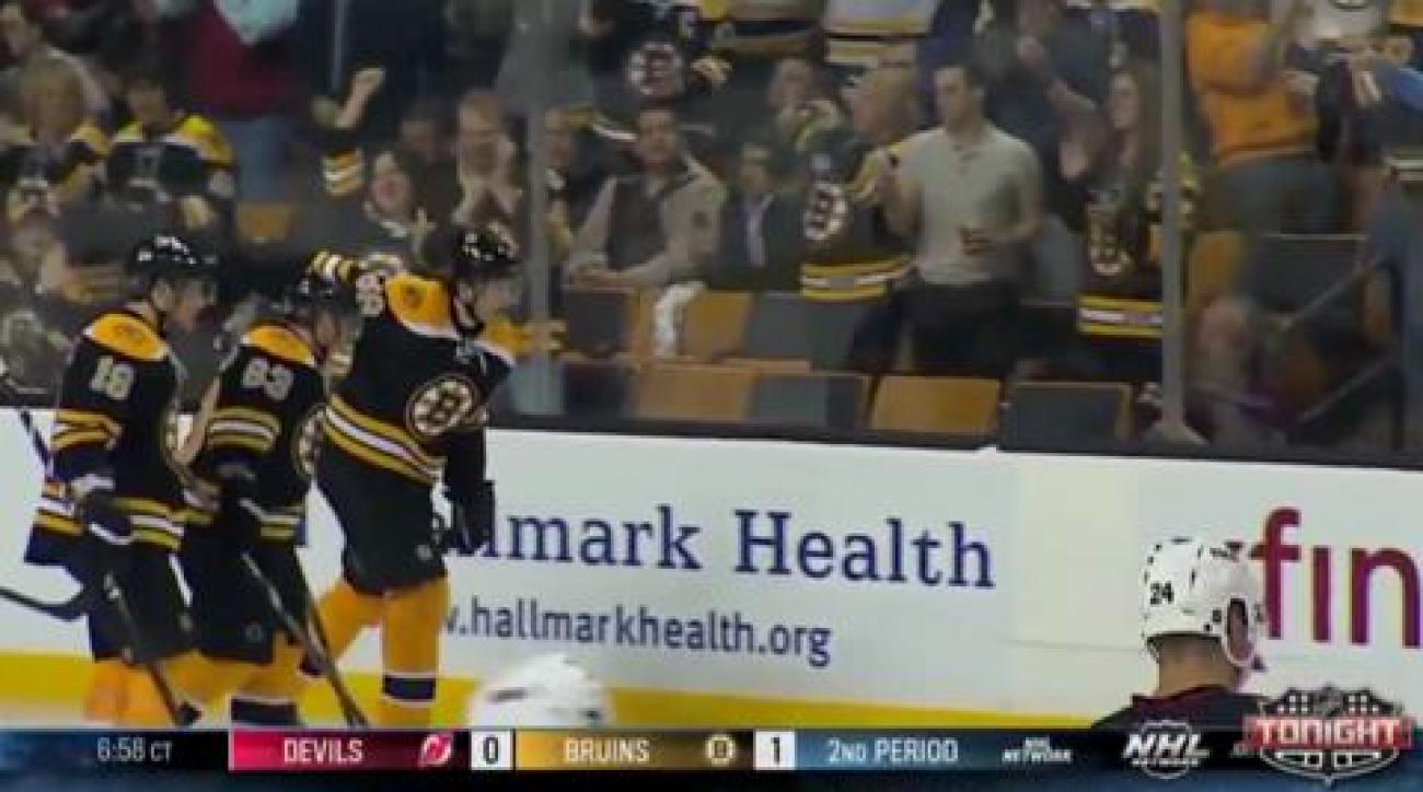 Jagr makes Bruins debut with winning goal vs. Devils