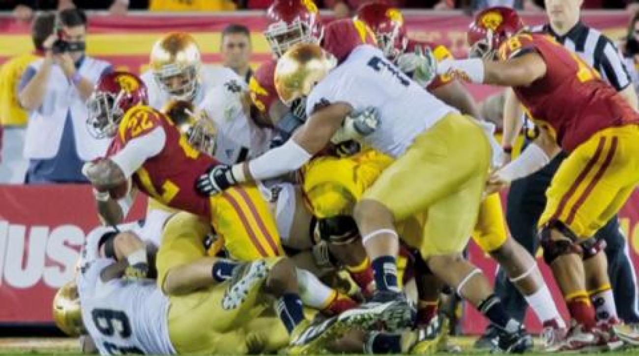 Mandel: Notre Dame holds off USC for a 12-0 season