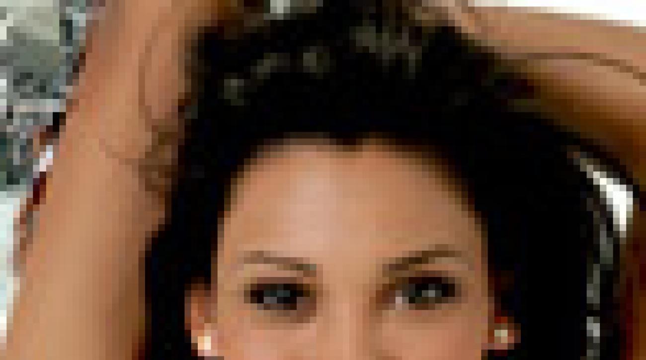 Taylor Walker Model Profile
