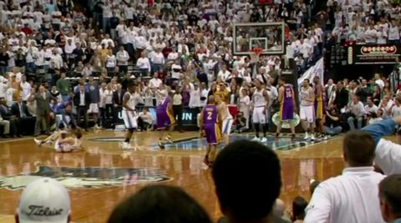 Rubio tears ACL against Lakers