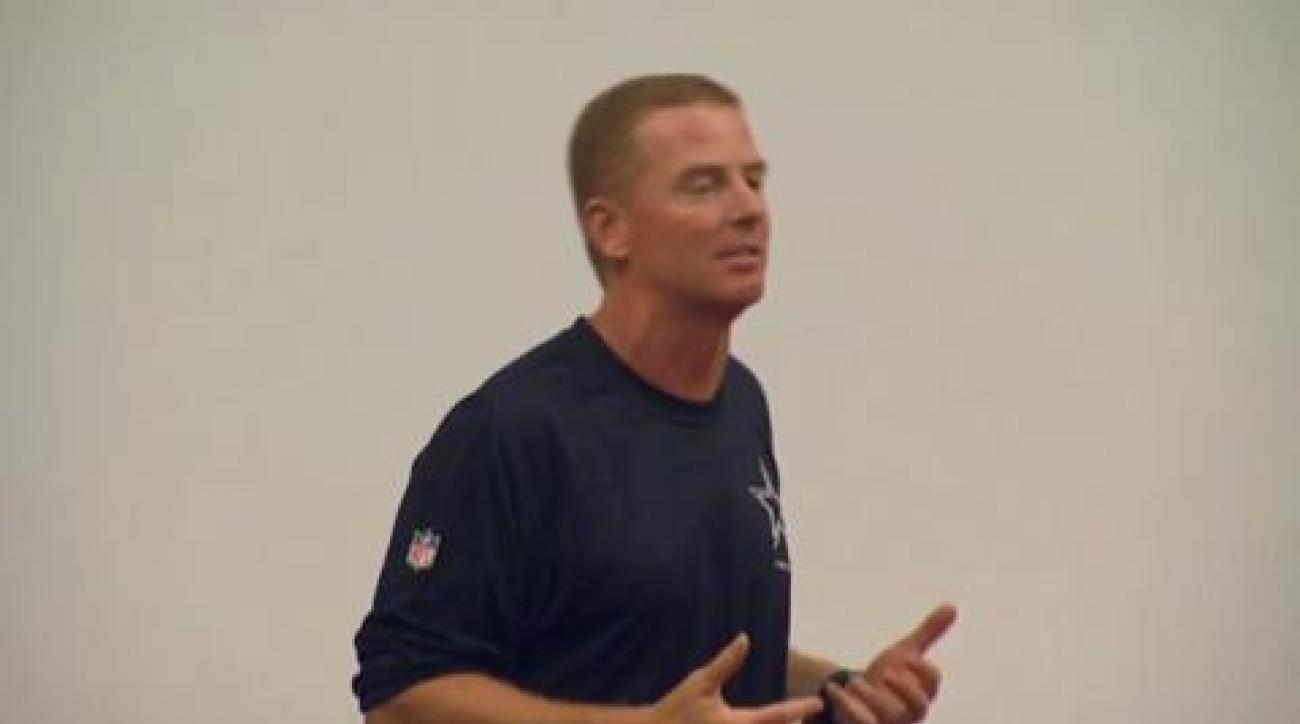 Jason Garrett addresses the Dallas Cowboys
