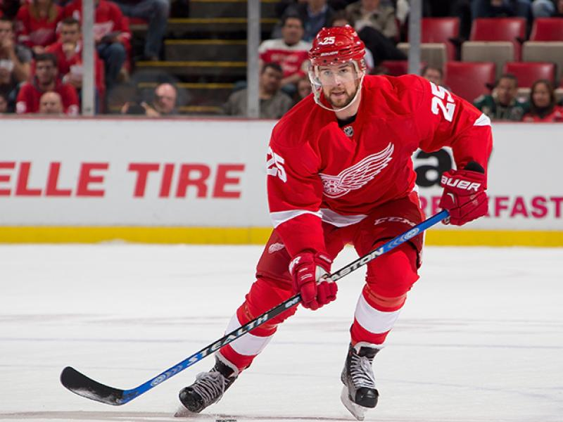 mike-green-red-wings-capitals