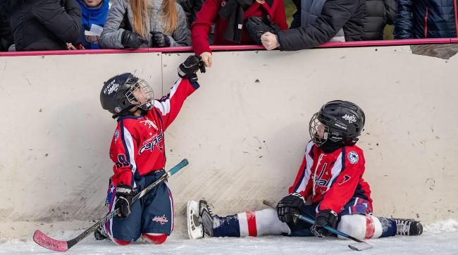 New Hampshire s Black Ice Pond Hockey Championships Honor Local History 50b4ee868d7