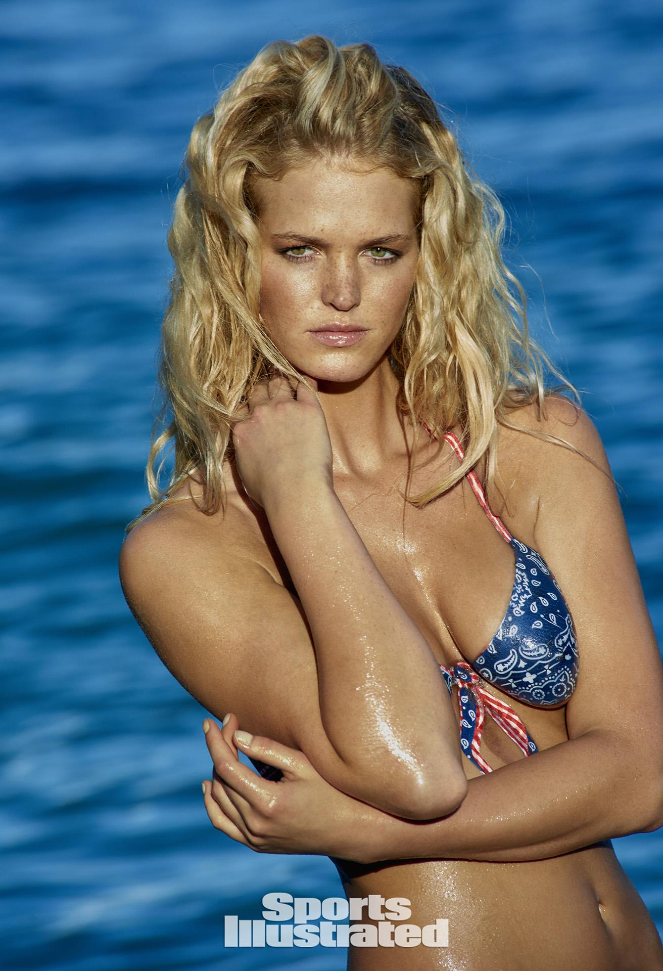 ... Swimsuit Body Paint Photos, Sports Illustrated Swimsuit 2015