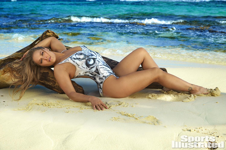 Resultado de imagen para Ronda Rousey Sports Illustrated