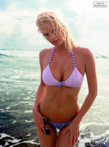 Kylie Bax