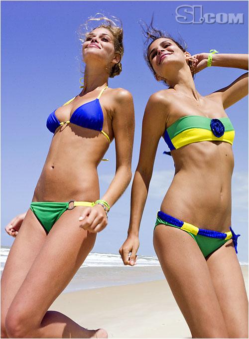 Letarte Swimwear by Lisa Cabrinha [Ana B.]; Pompei Beach [Fernanda M.]