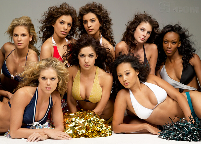 08_cheerleaders-group_02_Gallery