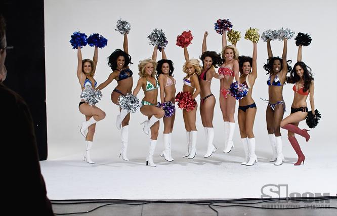 09_nba-cheerleaders_behind_08_Issue