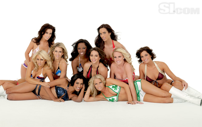 09_nba-cheerleaders_group_02_Issue