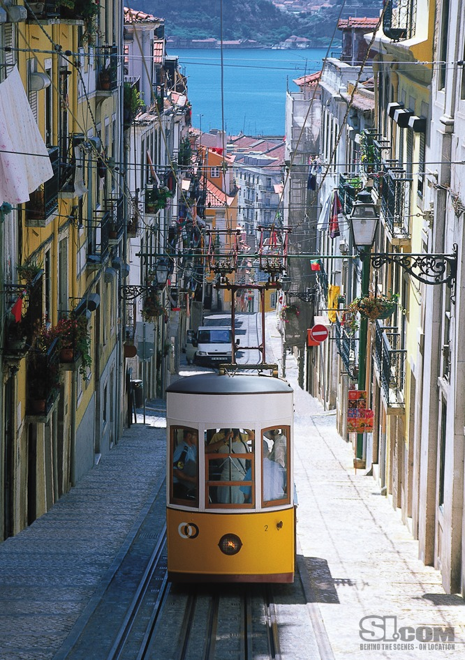 10_lisbon-portugal_03_Issue