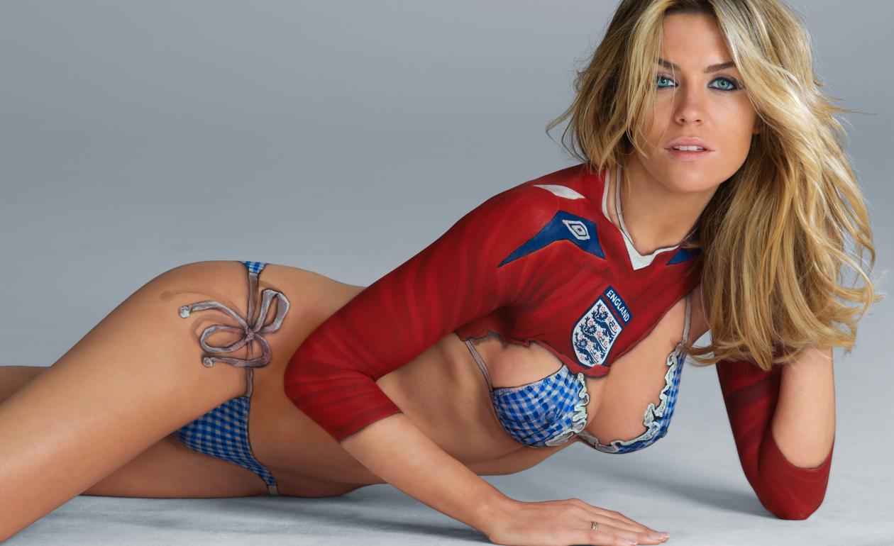 abigail clancy british swimsuit - photo #12