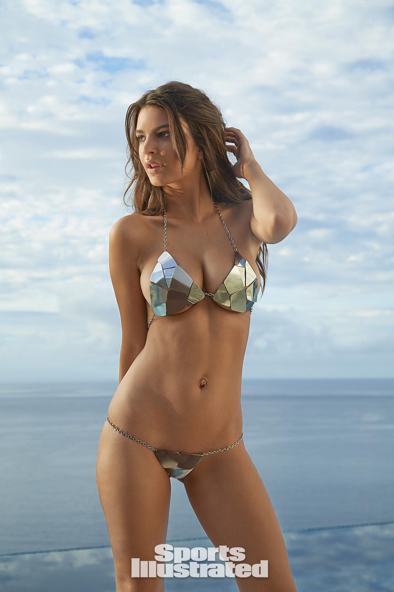 910776a1a6b Emily Ratajkowski's daily skin routine costs $800 | SI.com