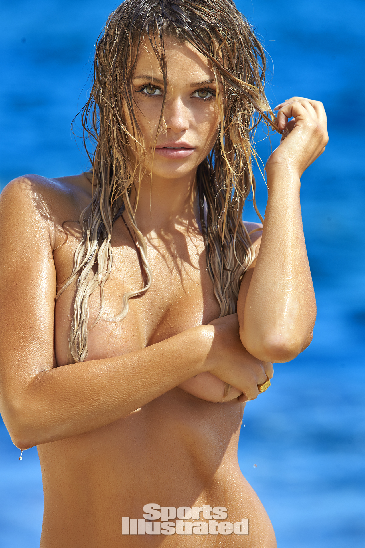 Samantha Hoopes was photographed by Ben Watts in Malta.