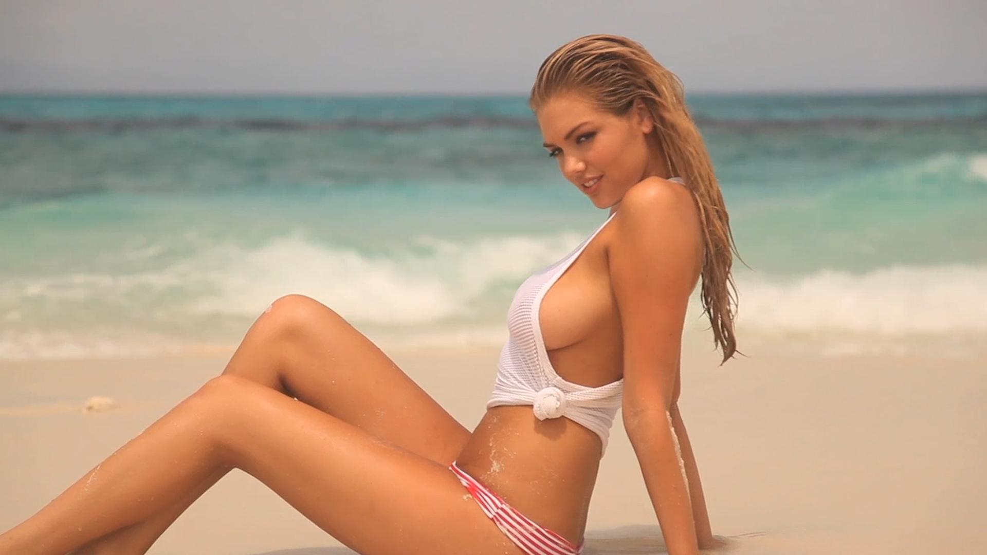 Kate Upton in Australia SI Swimsuit 2012 (image)