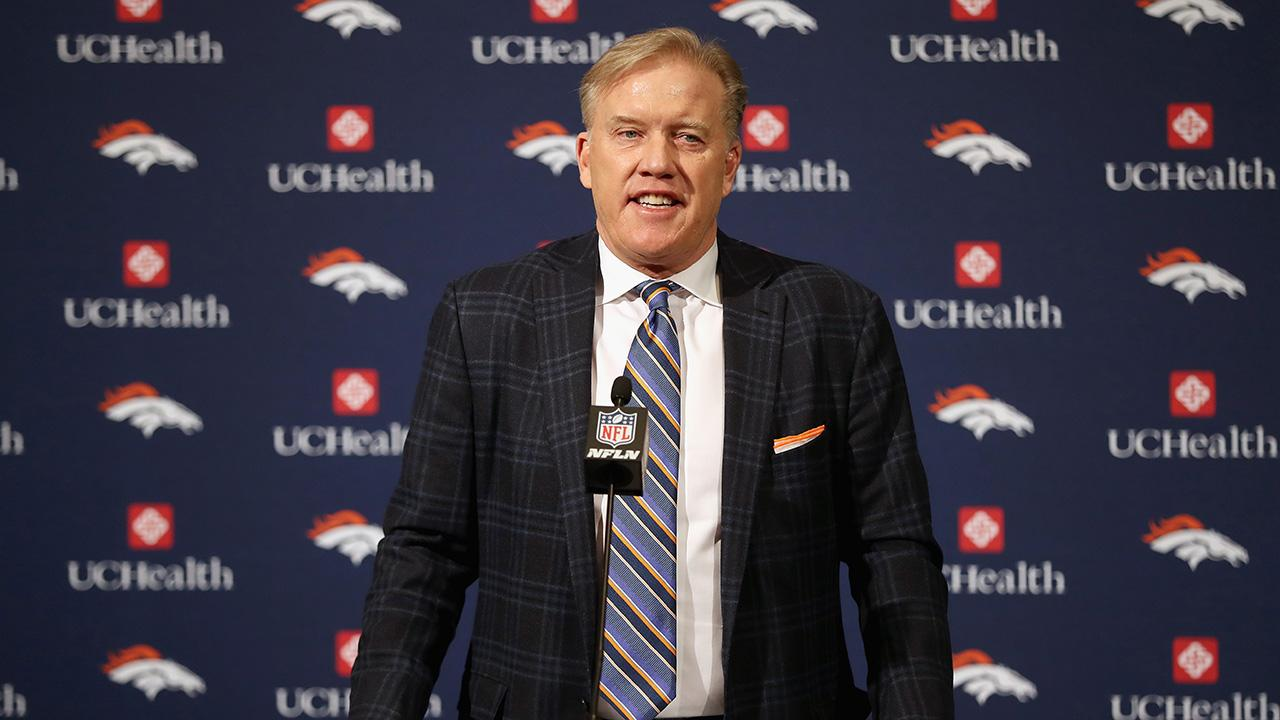 John Elway Agrees to 5-Year Contract With Broncos
