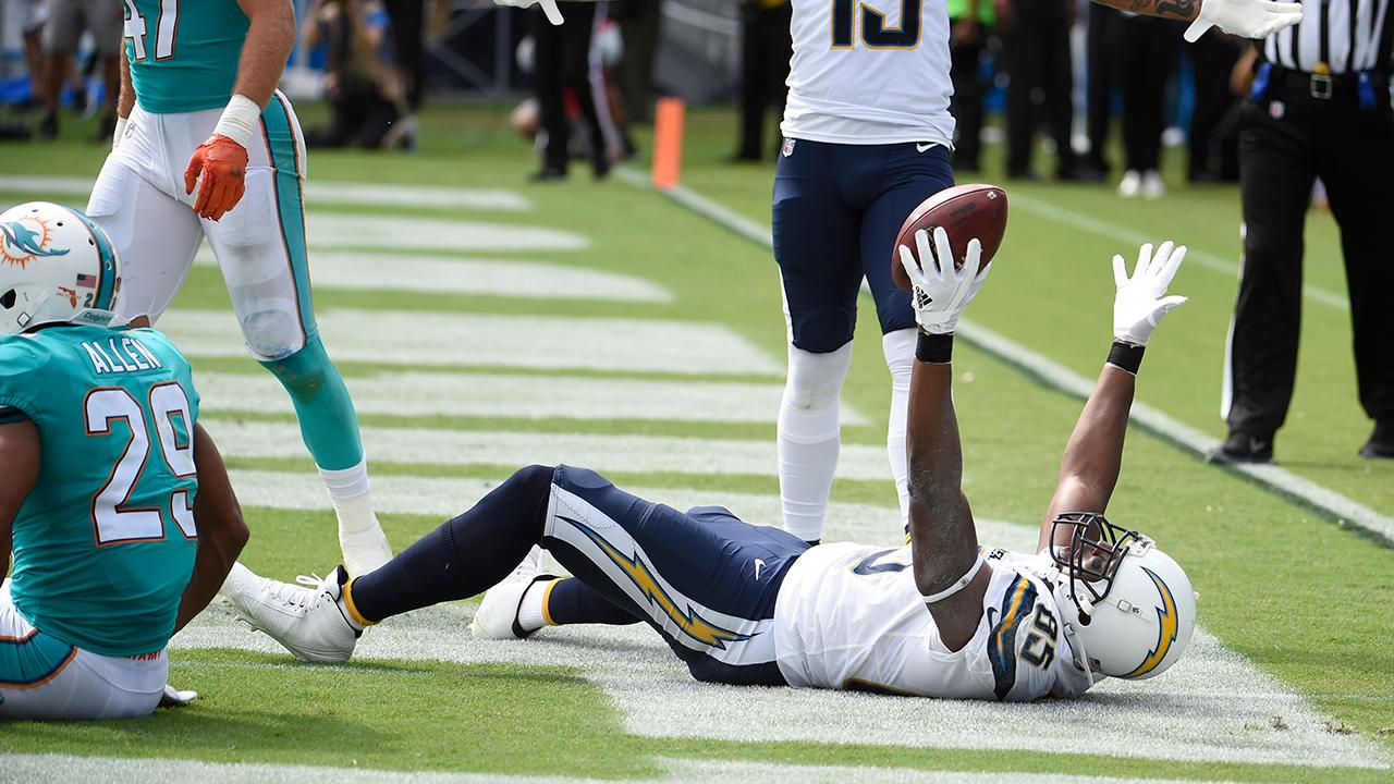 Chargers' Antonio Gates sets record with 112th TD as tight end