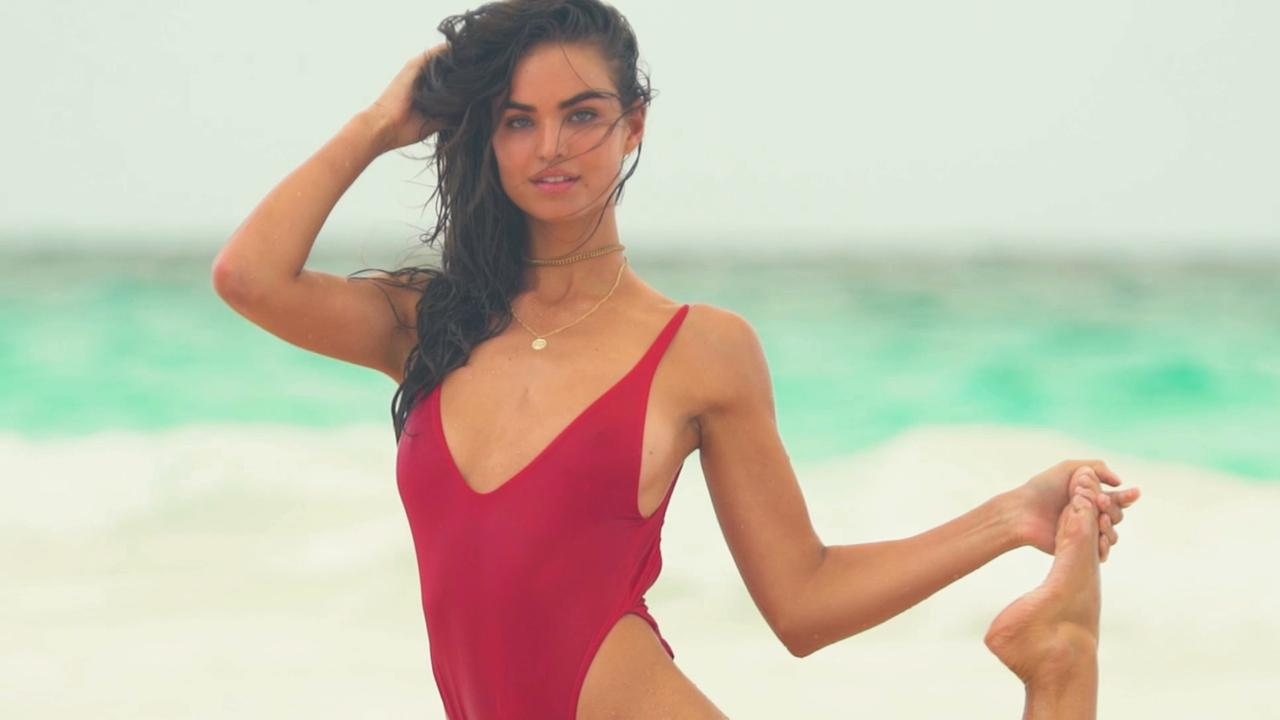 Robin Holzken's SI Swimsuit shoot gets dirsupted by a sea plane